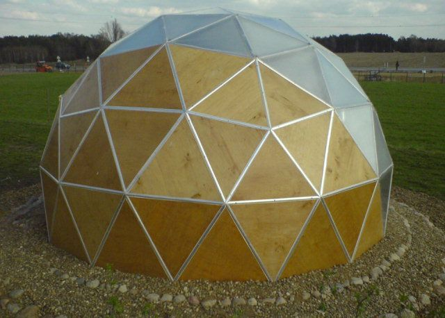 geodesic dome5 - Dome Greenhouse Designs